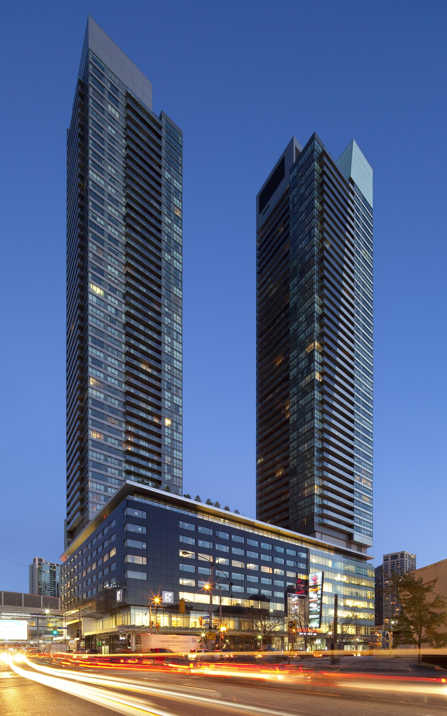 Maple Leaf Square Sports & Entertainment - Architecture